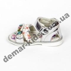 Детские голографические босоножки BBT серебро цветы